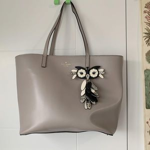 Kate spade gray tote with owl charm